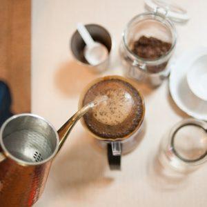 コーヒーの粉が膨らまない?膨らむ理由とハンドドリップのコツ
