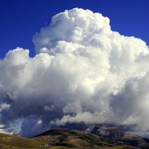 雨の降る予兆は?直前に現れる雲と雨雲の移動方向から予測する