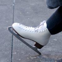 スケート靴のレンタル、フィギュアとホッケー違いは?くるぶしが痛い時の対策は?