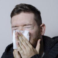 花粉症の鼻づまりで夜眠れない!簡単すぐできる解消法を紹介