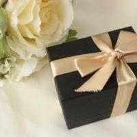 母の日のプレゼント当日でも用意できる?実家に送る事が可能なサービスを紹介