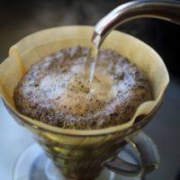 コーヒーの残りカスで作る消臭剤の作り方。交換時期はどれくらい?