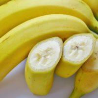 バナナは中身が黒く変色しても食べられる?熟したバナナの活用法